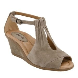 Earth Caper Dark Khaki Sandals Shoes